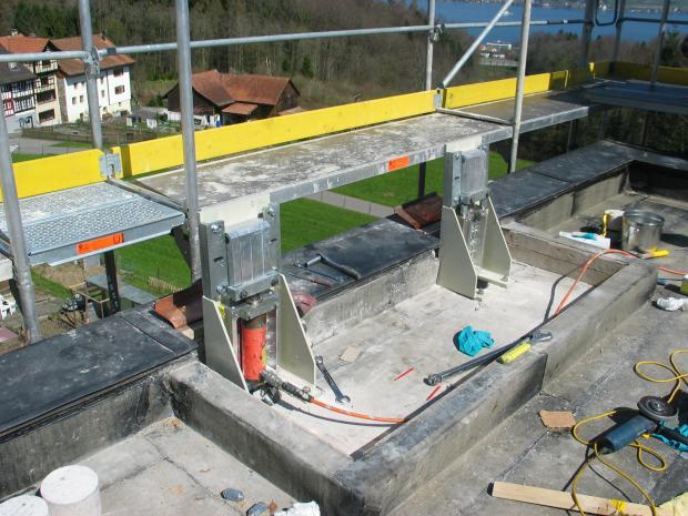 Forespændingsapparat på taget